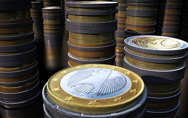 Euro-Geldmünzen Stapel - Dividende Dividendenrendite Ratgeber