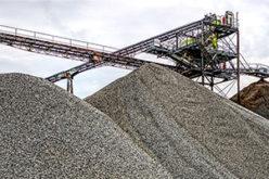 Kieswerk Tagebau - In Rohstoffe investieren