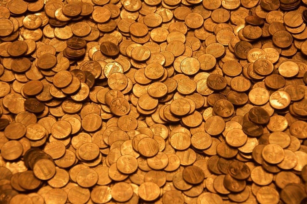 Ansammlung von Goldmünzen - Goldpreis
