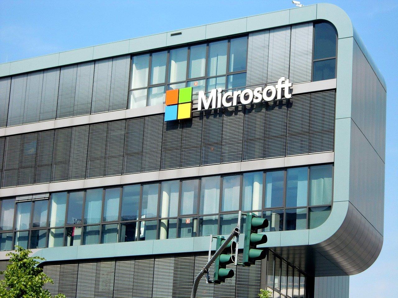 Microsoft Logo an Gebäudewand