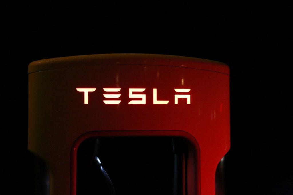 tesla aufladestation elektrische autos
