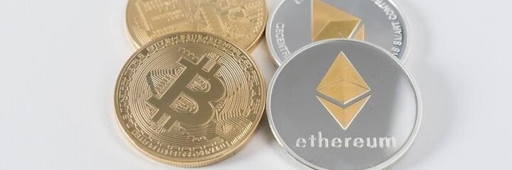 verschiedene Krypto Münzen - Bitcoin, ethereum