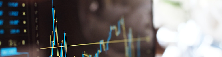 Aktienchart auf Computerbildschirm - Aktien bis 10 Euro