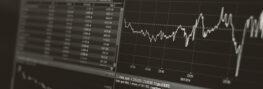 Aktienverlauf auf Monitor